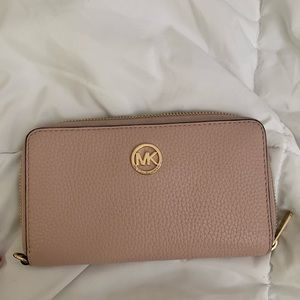 light pink michael kors wallet